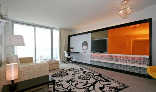 Modern baroque interior decor miami style room service 360 for Modern baroque living room
