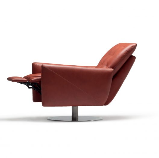 Poros recliner by Nicoline