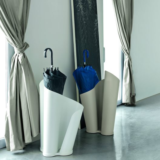 Narciso by Davide Bozzini for Tonin Casa