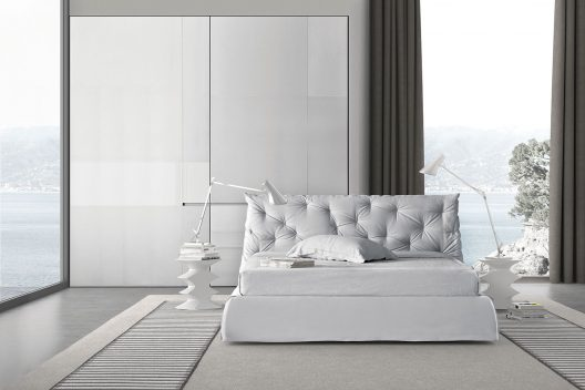 Impunto upholstered bed by Pianca