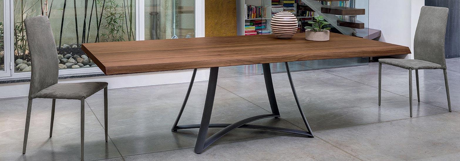 Big Bang Dining Table
